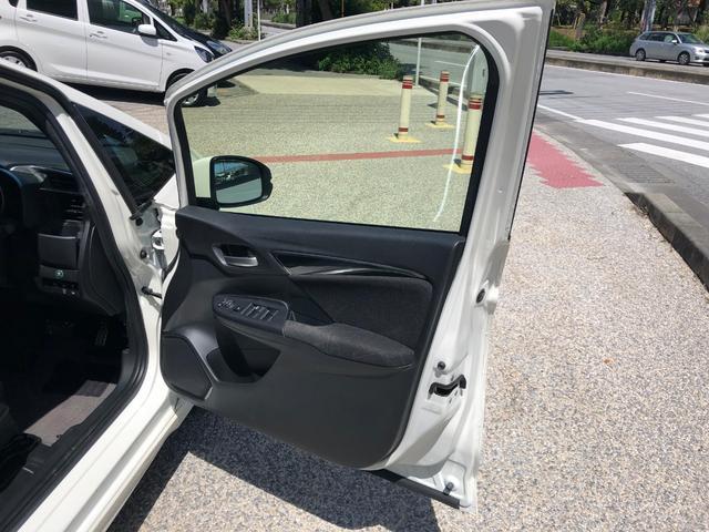 「ホンダ」「フィットハイブリッド」「コンパクトカー」「沖縄県」の中古車55