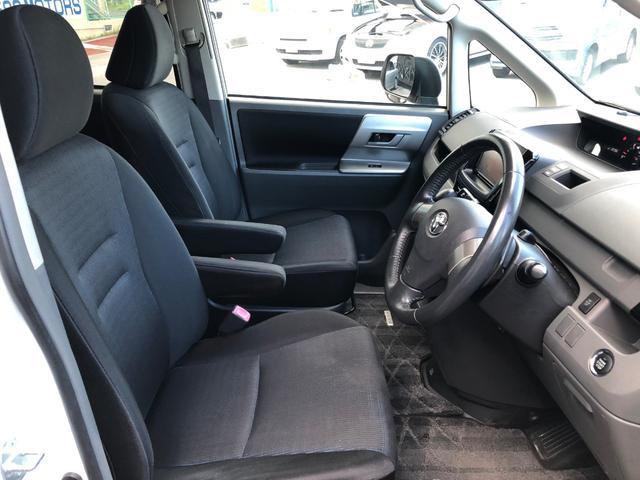 〇運転席・助手席シートともに、とても綺麗な状態です〇