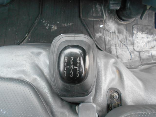 フラットロー 平ボディ 内地中古 シャーシB 5MT メッキパーツ 積載1.5t 車両総重量5t未満 3000cc 軽油(10枚目)