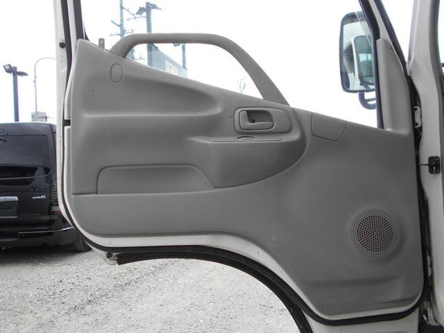 シングルジャストロー 平ボディ 積載2000kg AT 軽油 4900cc(12枚目)