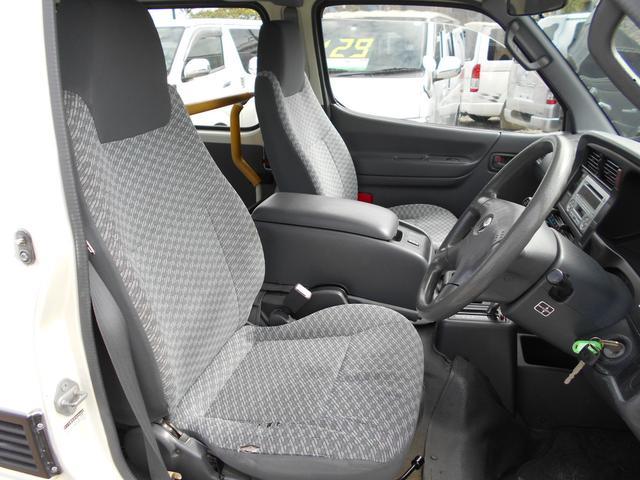 ■運転席のシートも綺麗にクリーニングしております■