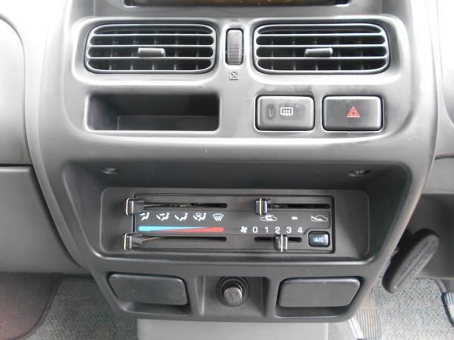キングキャブ AX 2400cc コラムAT ガソリン 内地中古 下廻り錆止め処理 PS PW AC キーレス(18枚目)