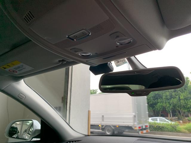 「アウディ」「A4」「セダン」「沖縄県」の中古車32