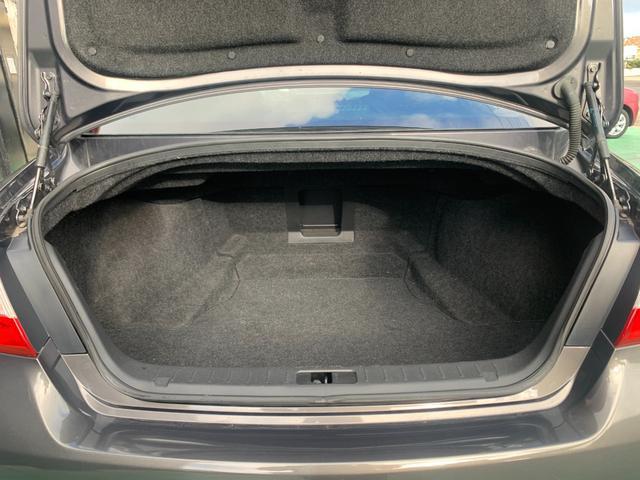 250GT プレミアムインテリアパッケージ 本革シート パワーシート オットマン HDD Bluetooth DVD コーナーセンサー シートヒーター シートクーラー メモリーシート クルーズコントロール(27枚目)