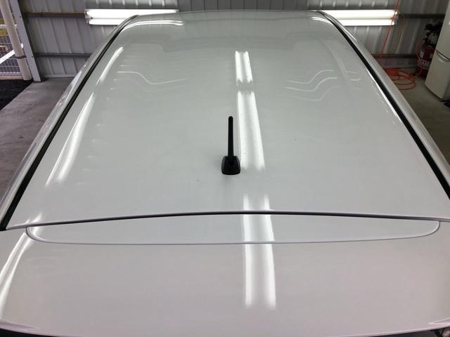 車内ドライクリーニング&オゾン脱臭+車内抗菌コートで車内全体が空気清浄機に! 太陽光線にふくまれる紫外線に反応し光触媒作業により活性酸素を発生することで車内を抗菌・消臭!