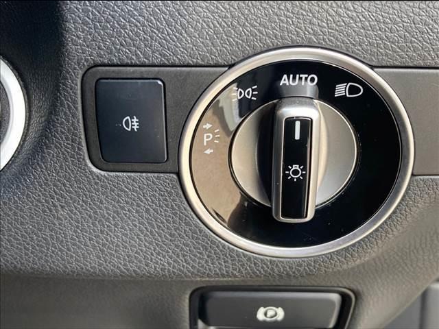 CLA180 シューティングブレーク 純正地デジナビゲーション バックカメラ ETC ドライブレコーダー ガラスルーフ ハーフレザーシート シートメモリー パワーシート パワーバックドア AMGホイール ユーザー買取車両(6枚目)