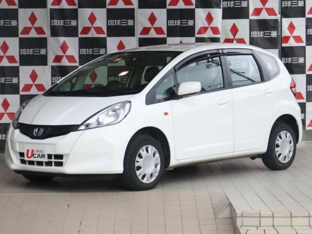 沖縄の中古車 ホンダ フィット 車両価格 79.8万円 リ済別 平成25年 2.8万km ホワイト