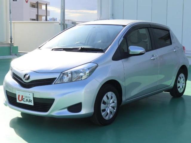 沖縄の中古車 トヨタ ヴィッツ 車両価格 69.8万円 リ済別 平成25年 3.5万km シルバー