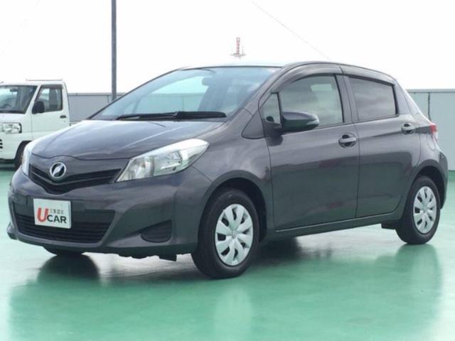 沖縄の中古車 トヨタ ヴィッツ 車両価格 64.8万円 リ済別 2012(平成24)年 2.4万km グレー