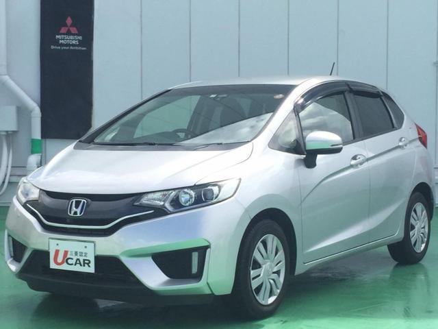 沖縄の中古車 ホンダ フィット 車両価格 69.8万円 リ済別 2013(平成25)年 3.9万km シルバー