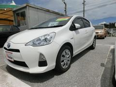沖縄の中古車 トヨタ アクア 車両価格 85万円 リ済別 平成25年 8.6万K スーパーホワイト2