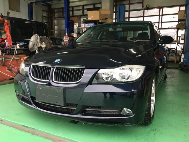 沖縄の中古車 BMW BMW 車両価格 20万円 リ済込 2006(平成18)年 9.3万km 紺