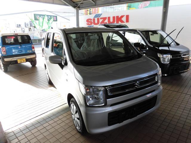 沖縄の中古車 スズキ ワゴンR 車両価格 118万円 リ済込 2019(令和1)年 7km シルバー