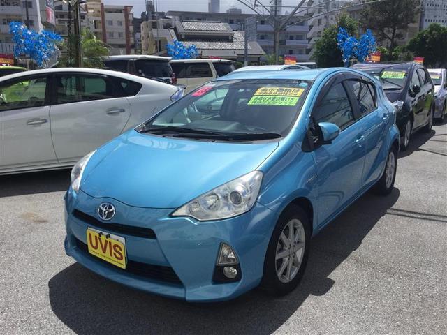 沖縄の中古車 トヨタ アクア 車両価格 99万円 リ済別 2013(平成25)年 2.0万km ブルー