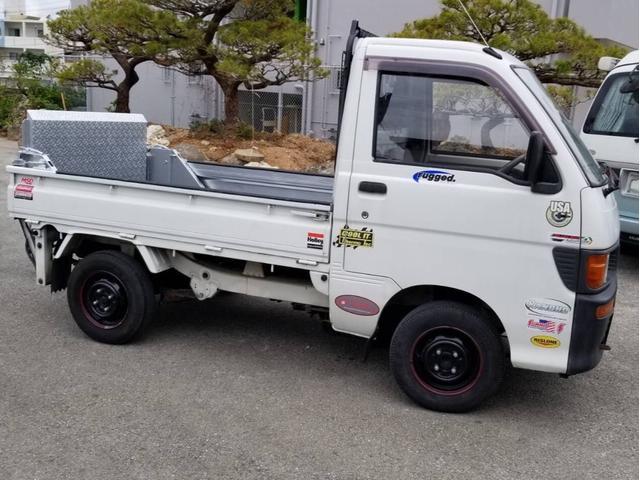 沖縄の中古車 ダイハツ ハイゼットトラック 車両価格 24万円 リ済込 1995(平成7)年 11.4万km ホワイト