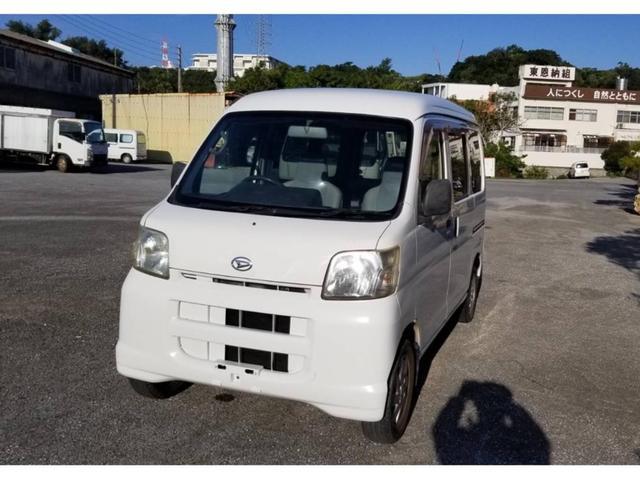 沖縄の中古車 ダイハツ ハイゼットカーゴ 車両価格 22万円 リ済込 2005(平成17)年 14.5万km ホワイト