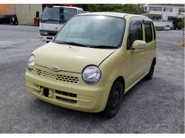 沖縄の中古車 ダイハツ ムーヴラテ 車両価格 14万円 リ済込 2006(平成18)年 14.3万km イエロー