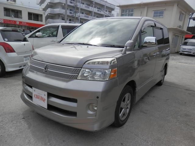 沖縄の中古車 トヨタ ヴォクシー 車両価格 28万円 リ済込 2005(平成17)年 13.0万km グレーM