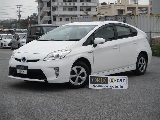 沖縄の中古車 トヨタ プリウス 車両価格 69.4万円 リ済別 2013(平成25)年 8.0万km スーパーホワイトII