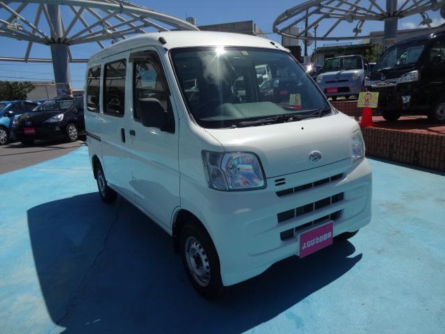 沖縄の中古車 ダイハツ ハイゼットカーゴ 車両価格 49万円 リ済別 2013(平成25)年 9.5万km ホワイト