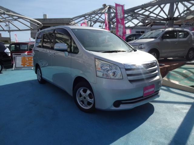 沖縄の中古車 トヨタ ノア 車両価格 43万円 リ済別 2008(平成20)年 11.4万km グレー