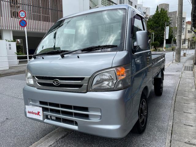 沖縄の中古車 ダイハツ ハイゼットトラック 車両価格 50万円 リ済込 2010(平成22)年 14.7万km シルバー