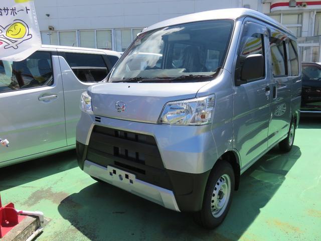 沖縄の中古車 ダイハツ ハイゼットカーゴ 車両価格 99万円 リ済別 2021(令和3)年 5km シルバー