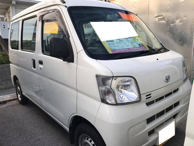 沖縄の中古車 ダイハツ ハイゼットカーゴ 車両価格 44万円 リ済込 平成25年 11.3万km ホワイト