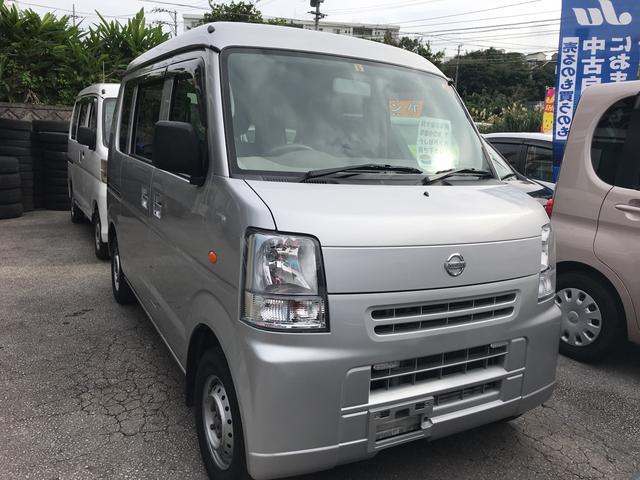 沖縄の中古車 日産 NV100クリッパーバン 車両価格 64万円 リ済込 2014(平成26)年 8.9万km シルバー