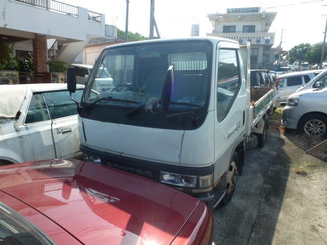 沖縄の中古車 三菱ふそう キャンター 車両価格 80万円 リ済込 平成13年 19.6万km ホワイト