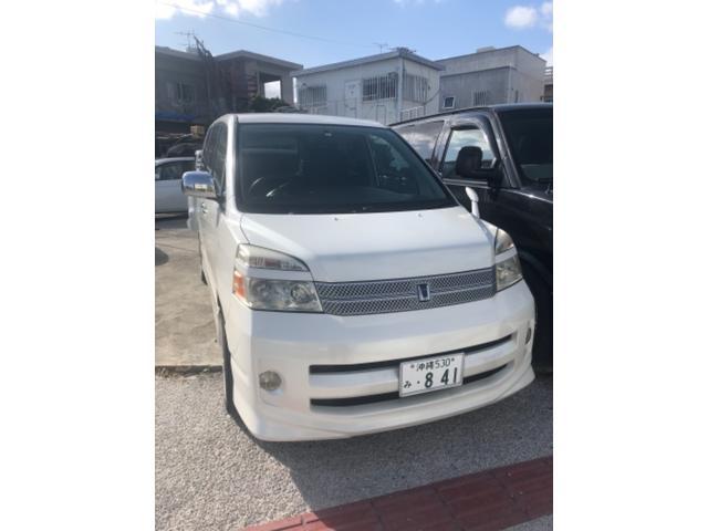 沖縄の中古車 トヨタ ヴォクシー 車両価格 19万円 リ済込 2007(平成19)年 11.5万km ホワイト