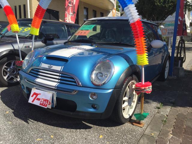 沖縄県の中古車ならMINI クーパーS ボンネットストライプ オリジナルシートカバー