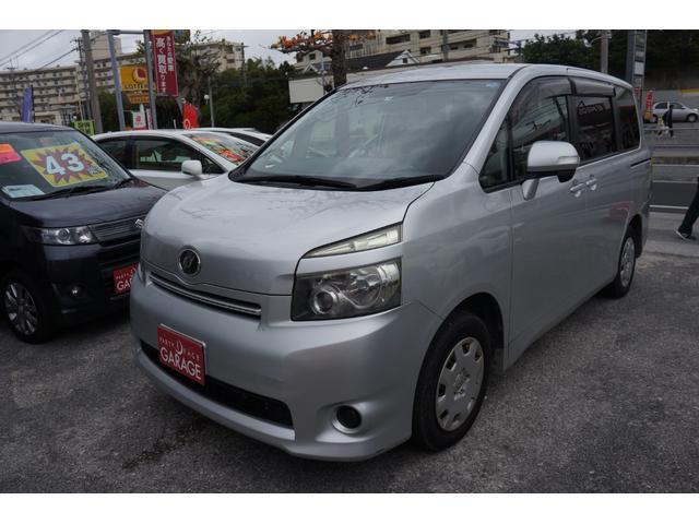 沖縄県の中古車ならヴォクシー X 社外ナビ