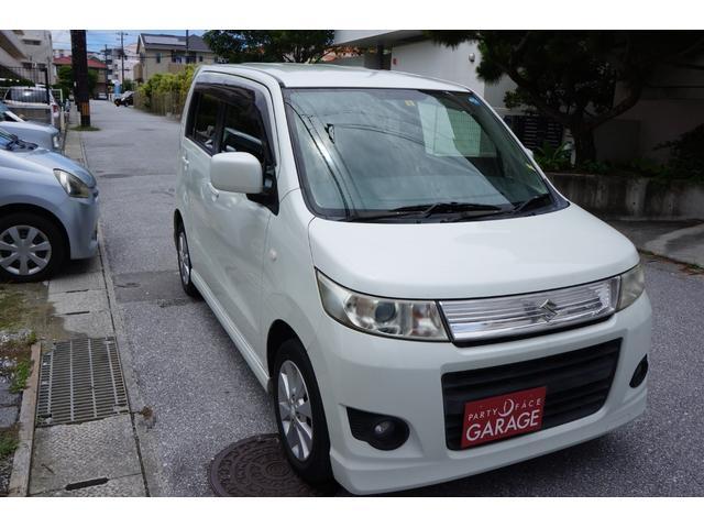 沖縄の中古車 スズキ ワゴンRスティングレー 車両価格 39万円 リ済別 2011(平成23)年 5.4万km パールホワイト