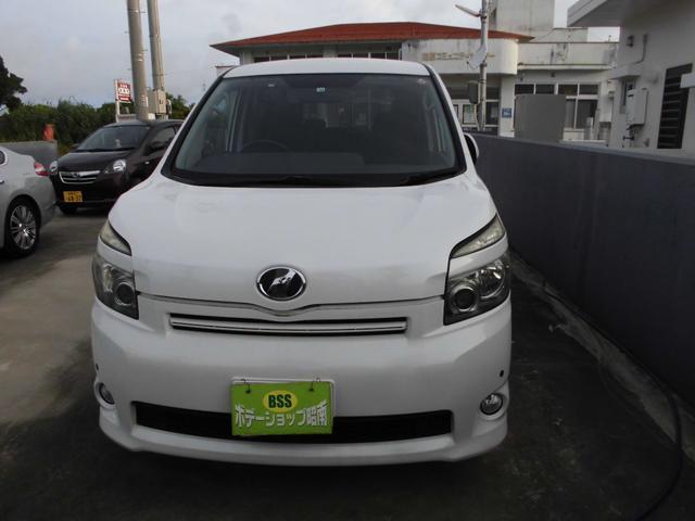 沖縄の中古車 トヨタ ヴォクシー 車両価格 34万円 リ済込 2008(平成20)年 19.6万km パールホワイト