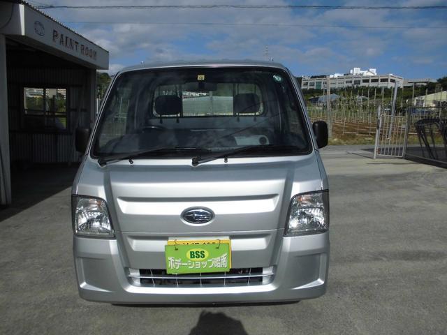 沖縄の中古車 スバル サンバートラック 車両価格 39万円 リ済込 2010(平成22)年 13.6万km シルバー