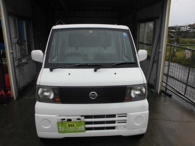 沖縄の中古車 日産 クリッパートラック 車両価格 26万円 リ済込 2004(平成16)年 14.9万km ホワイト