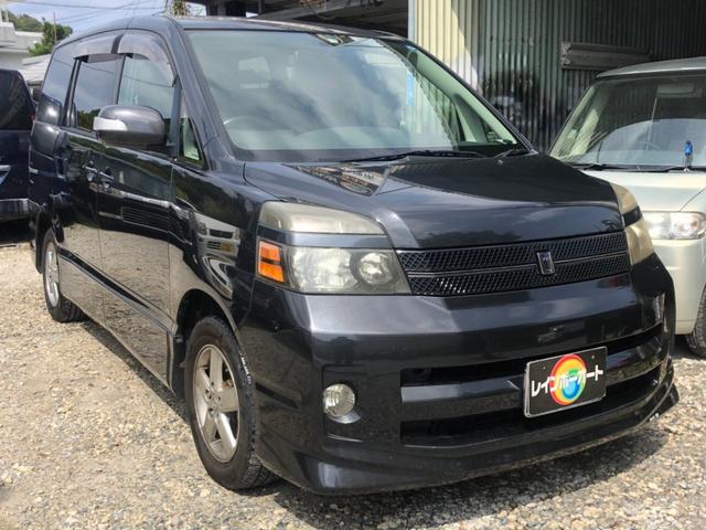 沖縄の中古車 トヨタ ヴォクシー 車両価格 15.8万円 リ済別 2005(平成17)年 9.4万km グレー