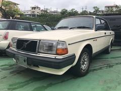 沖縄の中古車 ボルボ ボルボ 240 車両価格 70万円 リ済込 2001年 12.9万K クリーム