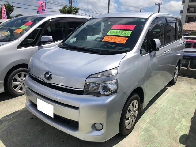 沖縄の中古車 トヨタ ヴォクシー 車両価格 85万円 リ済込 2012(平成24)年 9.3万km シルバー