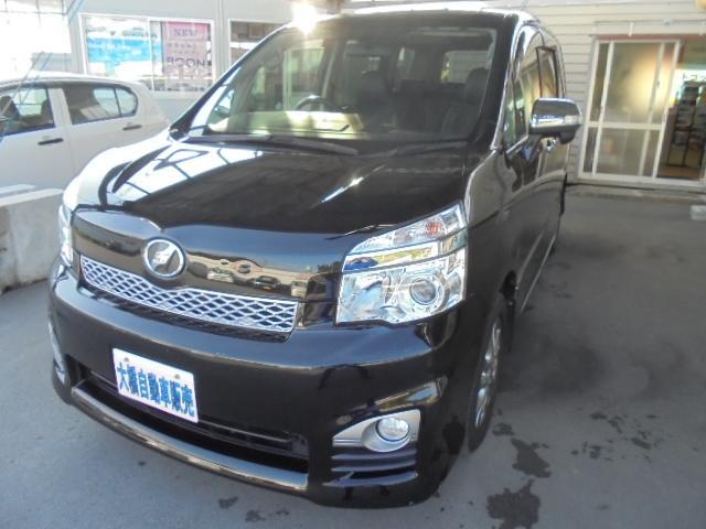 沖縄の中古車 トヨタ ヴォクシー 車両価格 128万円 リ済込 2013(平成25)年 8.7万km ブラック