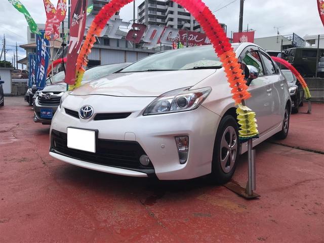 沖縄の中古車 トヨタ プリウス 車両価格 79万円 リ済込 2012(平成24)年 7.3万km パール