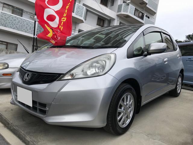 沖縄の中古車 ホンダ フィット 車両価格 49万円 リ済込 2013(平成25)年 10.6万km シルバー