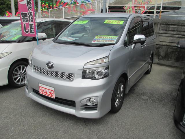沖縄の中古車 トヨタ ヴォクシー 車両価格 129万円 リ済込 2011(平成23)年 7.1万km シルバー