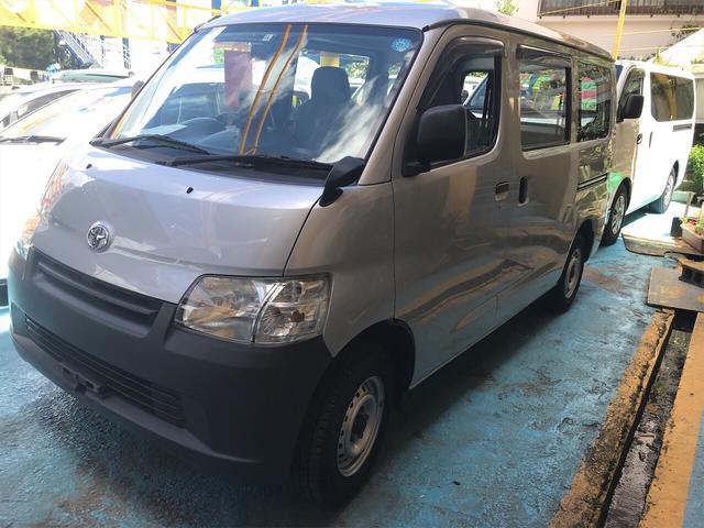 沖縄の中古車 トヨタ ライトエースバン 車両価格 55万円 リ済別 2010(平成22)年 10.6万km シルバー