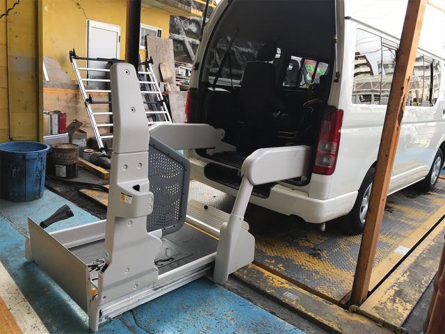 沖縄県の中古車ならレジアスエースバン 福祉車両 10人乗り 車椅子2台 ナビ バックカメラ