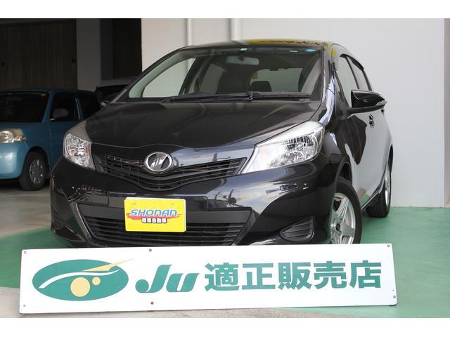 沖縄の中古車 トヨタ ヴィッツ 車両価格 75万円 リ済込 平成25年 7.2万km ブラック