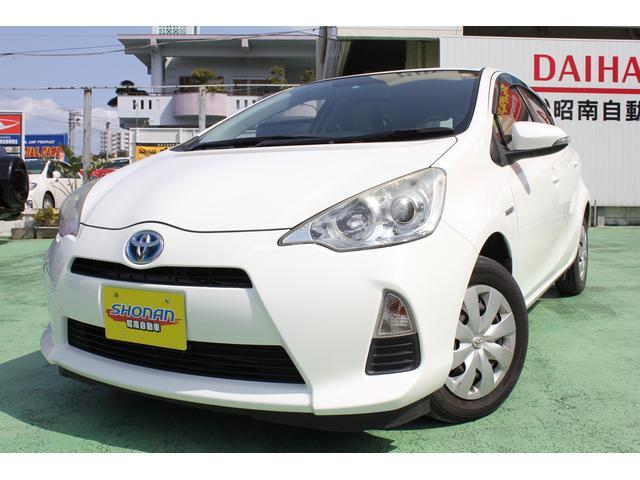 沖縄の中古車 トヨタ アクア 車両価格 79万円 リ済込 平成25年 6.7万km ホワイト