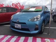 沖縄の中古車 トヨタ アクア 車両価格 94万円 リ済込 平成25年 3.5万K ブルー