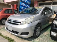 沖縄の中古車 トヨタ アイシス 車両価格 37万円 リ済込 平成19年 6.5万K シルバー